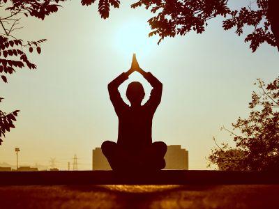 yoga-1600.jpg